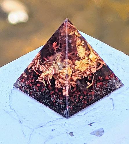'Garnet & Copper + Gold Orgonite' Mini Pocket/Pendant Protection Pyramid
