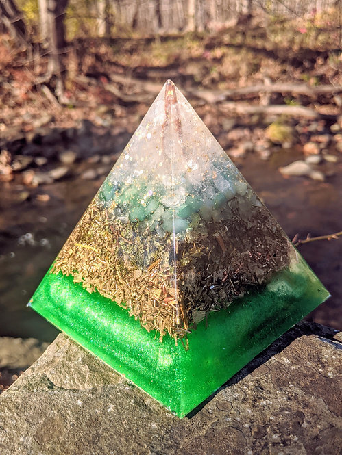 """NEW! LARGE 'A New Earth' Orgonite Pointy Crystal Pyramid (4.5"""" Tall)"""
