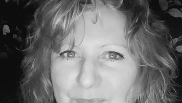 Sue J Daniels Joins Our Featured Authors Page
