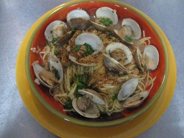 Linguine With Fresh Clam Sauce