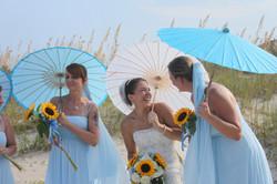Love parasols for a summer wedding!