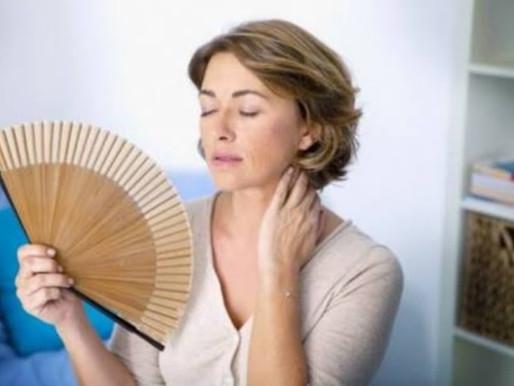 Sorte das mulheres menopausadas que têm sintomas!