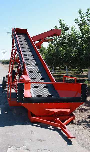 Field Elevator - Harvesting Equipment