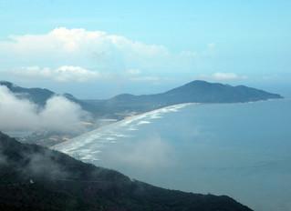Dividing Vietnam—the Hải Văn Pass