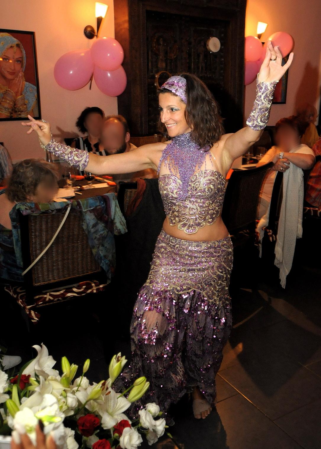 Adina danseuse orientale à Nice