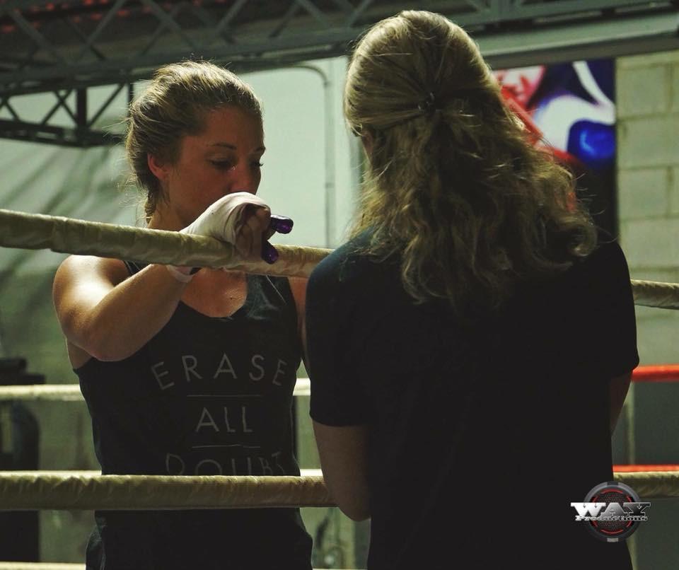 Kym Clavel et son entraineure à Montréal en entraînement de boxe