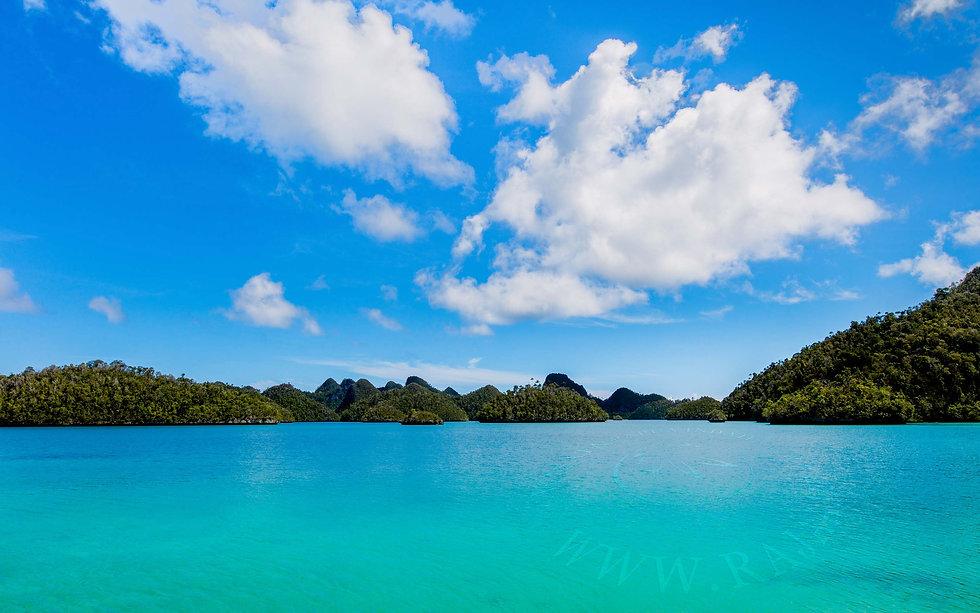 Wayag Lagoon Raja Ampat.jpg