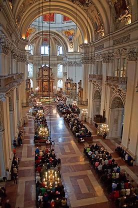 Salzburger Dom Hochamt mit Mozart-Messe
