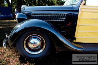 Ford_1935_Woody_side_small.jpg