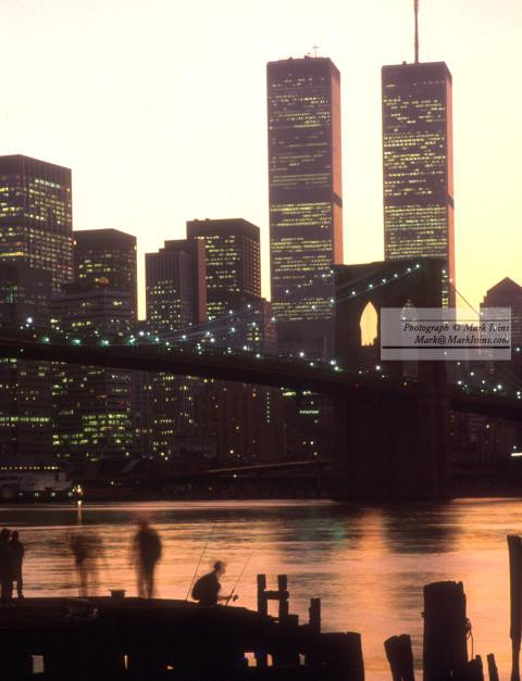 Brooklyn_Bridge_&_Men_Fishing_small.jpg