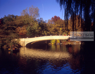 Central_Park_Lake_Bridge.jpg