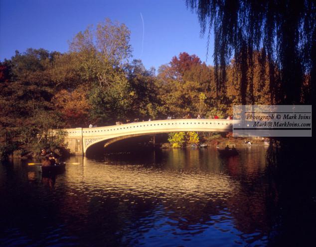 Central_Park_Lake_Bridge.jpg