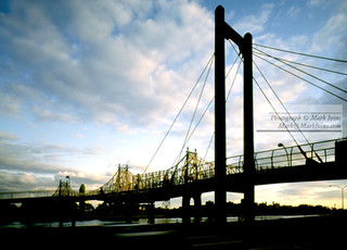 59th_Street_&_Roosevelt_Island_Bridge.jpg