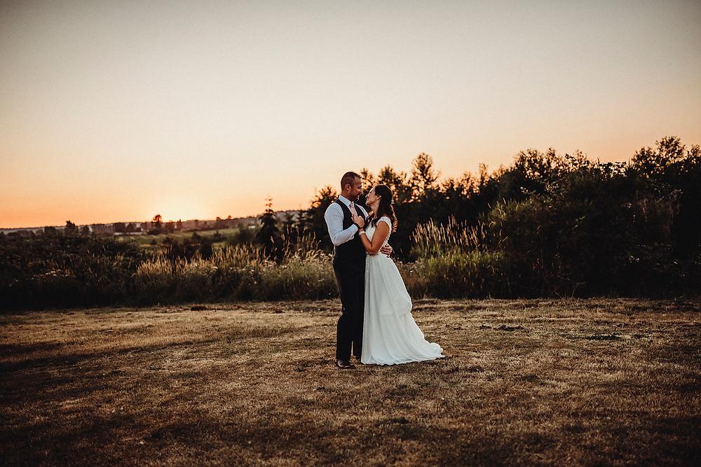 wedding day, wedding photographer, rosendahl photography, sunset photos, bride and groom , pnw wedding, pnw,