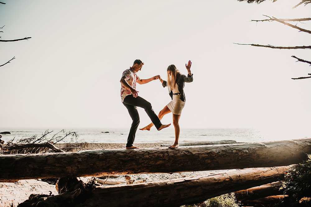 engagement photos, rialto beach, couples, wedding, wedding photographer, pnw , pnw photographer