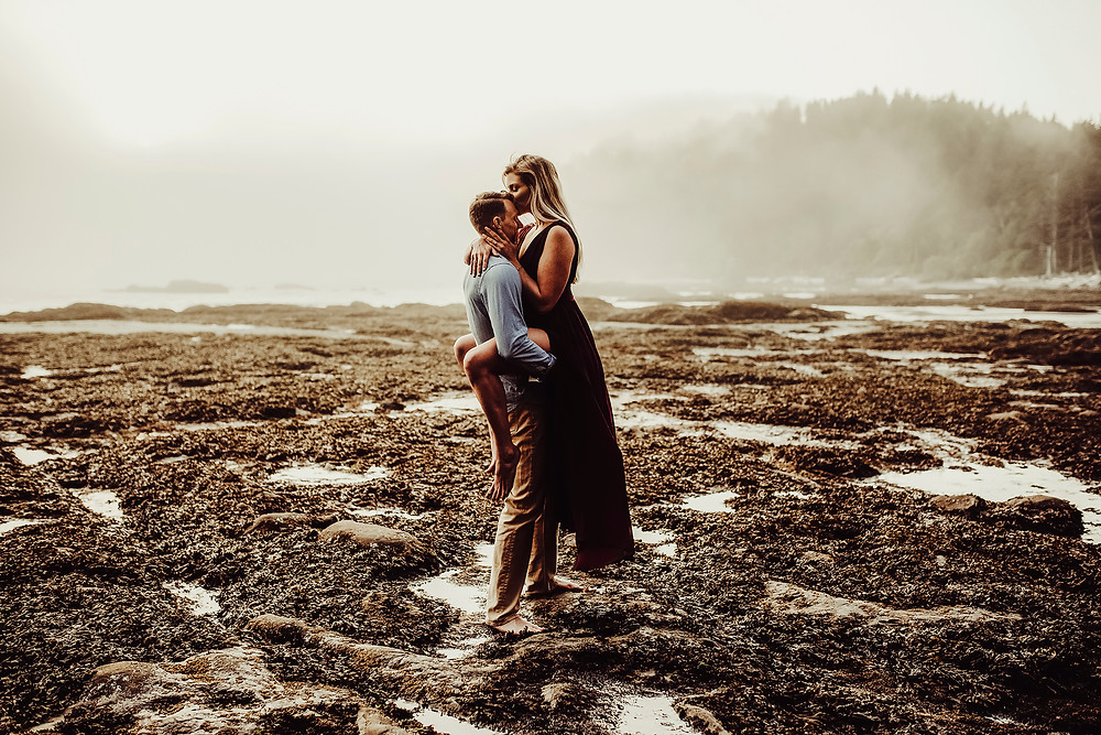 engagement, rialto beach, hole in the wall , beach engagement session, pnw