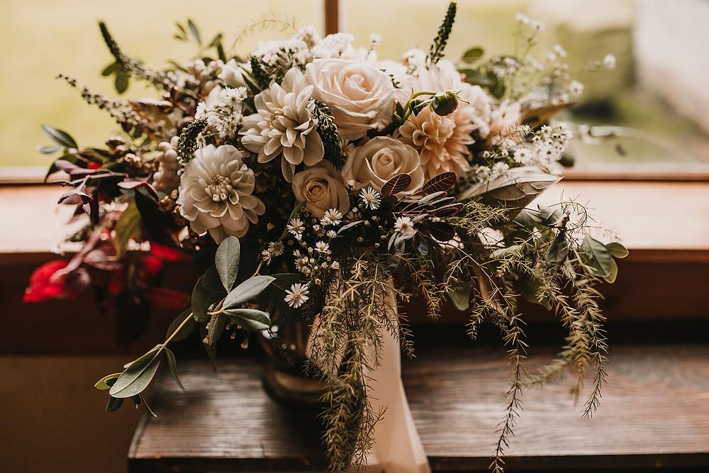 florals, details, bride bouquet, wedding photographer , Rosendahl Photography, travelling wedding photographer, destination wedding photographer, leavenworth wedding,