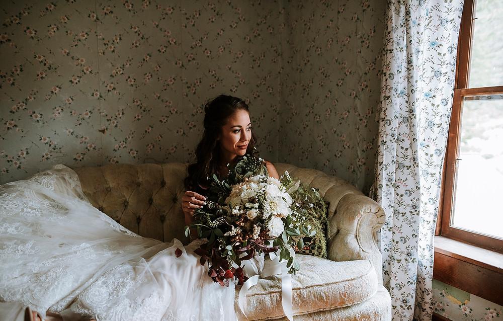 bridal portraits , bride, leavenworth wedding, fall wedding, Rosendahl Photography,  natural light, wedding photographer, pnw wedding photographer, washington wedding photographer