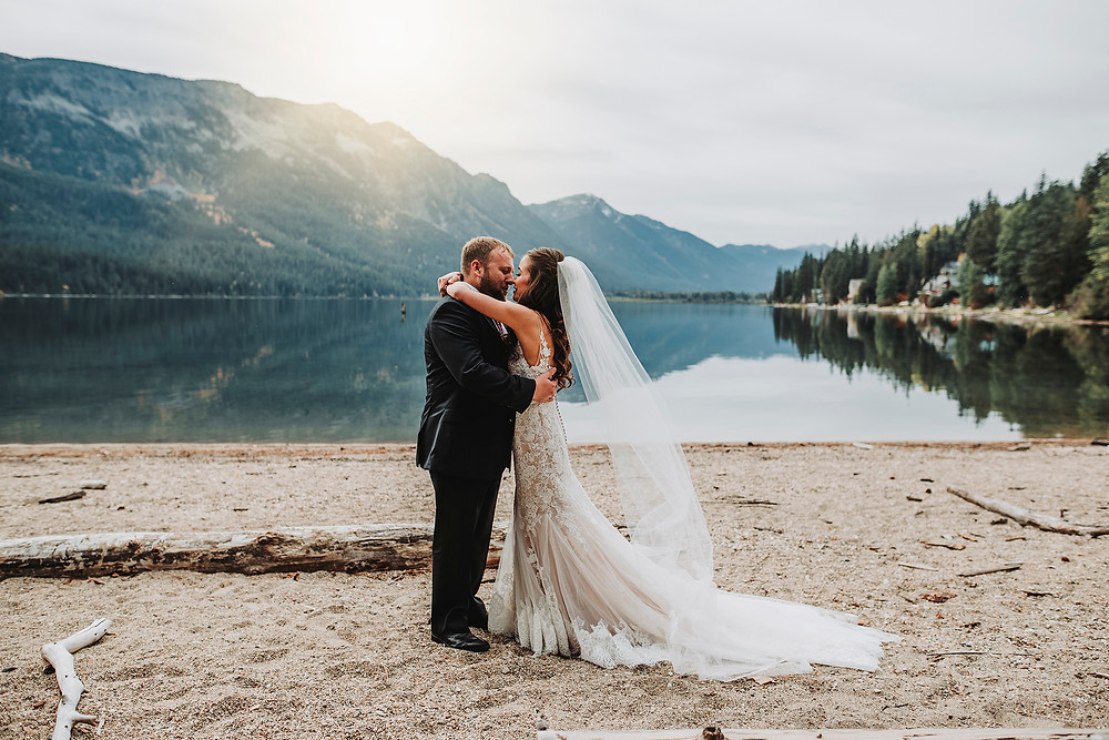 bride and groom, first looks, lake wenatchee , wedding dress, wedding day, pnw wedding, october wedding, leavenworth wedding, browns family homestead