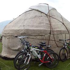 voyage en Kirghizie, trek VTT, rando VTT kirghizstan, trek à pied kirghizie, randonnée à pied Kirghizstan, séjour découverte en Kirghizie, ski de randnnée au Kirghizstan, skier Kirghizstan, trekking Song-kul, trek à Karakol