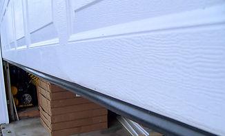 garage-door-bottom-seal-bs51-673.jpg