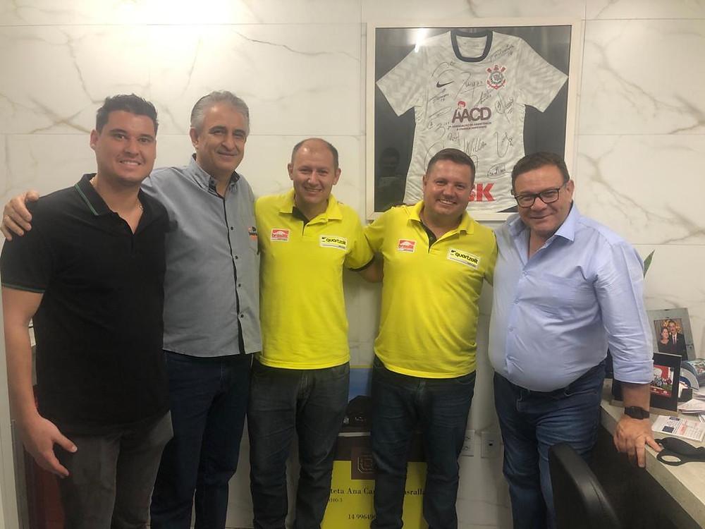 No dia 10 de novembro, ele recebeu o pessoal da Quartzolit - Marquinho, Marcos Vasconcelos, Cristiano Leão, Luís Carlos Cláudio e Sérgio Morato