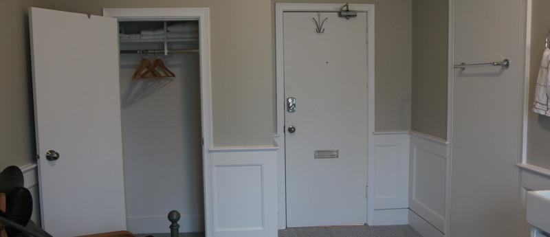 Room 6 Closet_resize.JPG