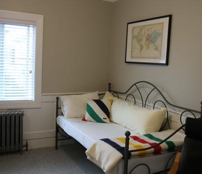 Room 6 bed_resize.JPG