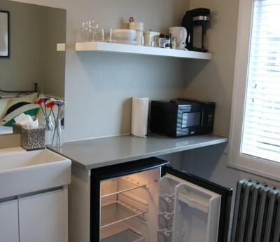 Room 6 Kitchen_resize.JPG
