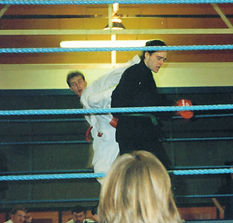 Stuart Anslow competing in the ring, in 1993