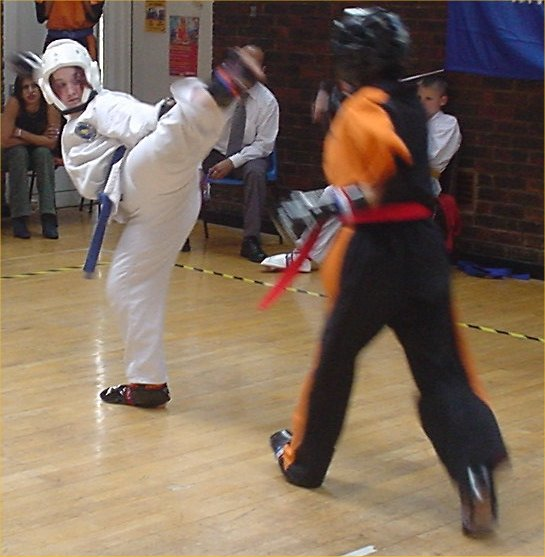 Ms Reynolds Sparring, 2003