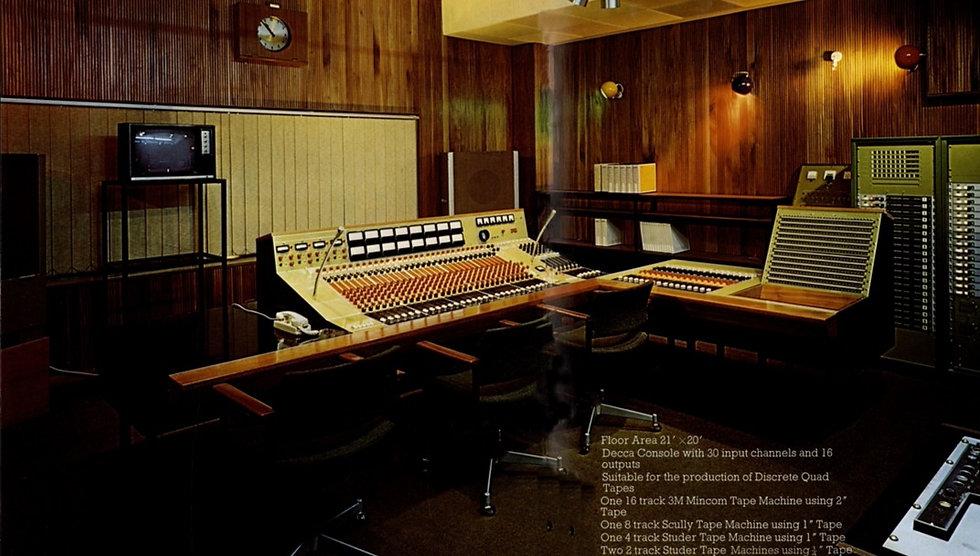 Decca%20-Philsbook_edited.jpg