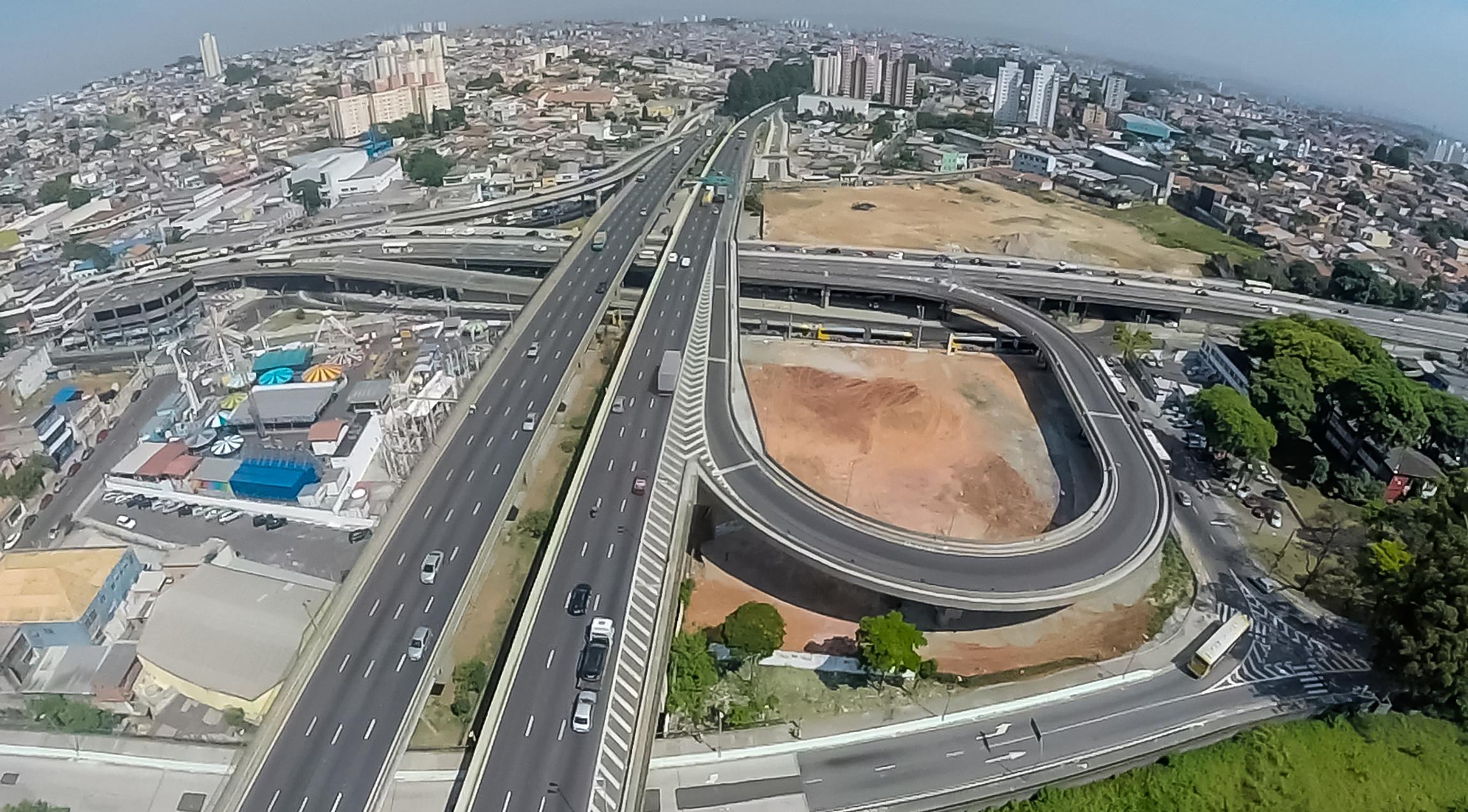 Imagem Aérea de Complexo Viário EIT