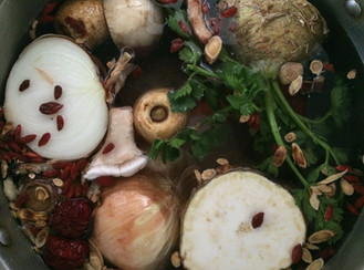 Soup Season!! A Nourishing Soup Stock Recipe