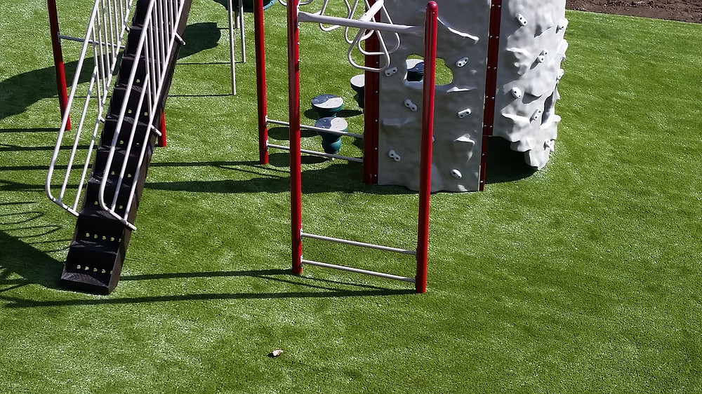 Playground Grass at Sycamore Springs Apartment complex