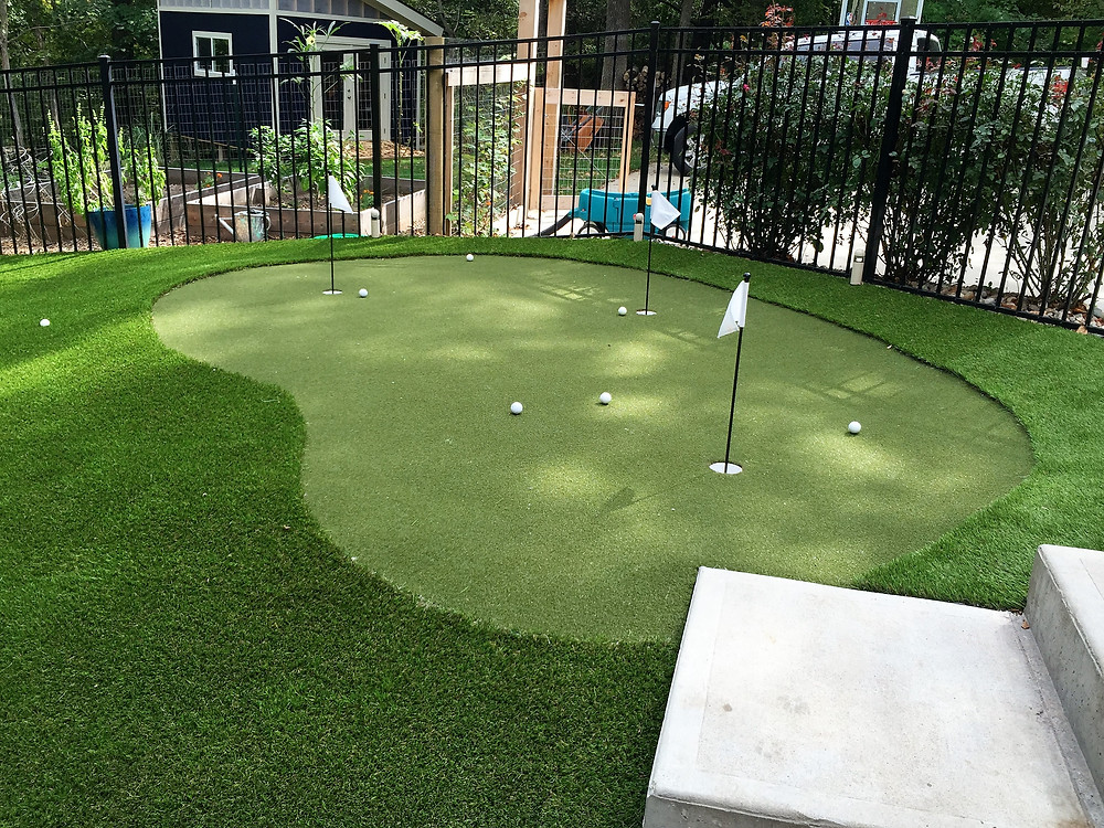 Stillwell, KS residence with backyard putting green