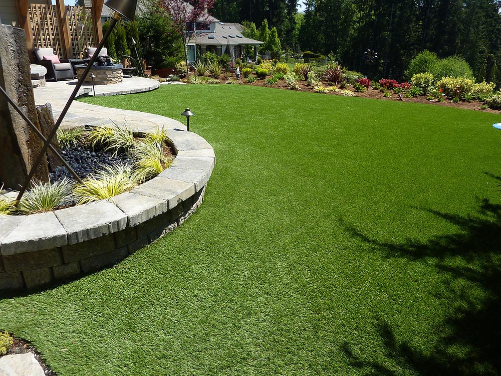 Backyard residence artificial turf