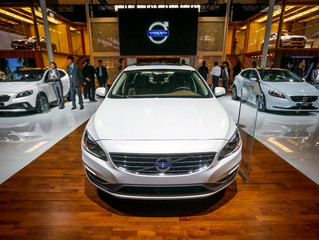 Volvo, Betting on Electric, Moves to Phase Out Conventional Engines
