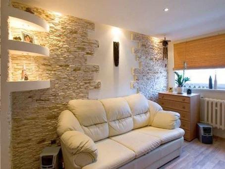 Декоративный камень в гостиной