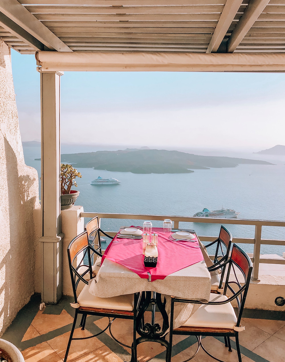 Guide to the Greek Islands Caitlin Eliza Santorini