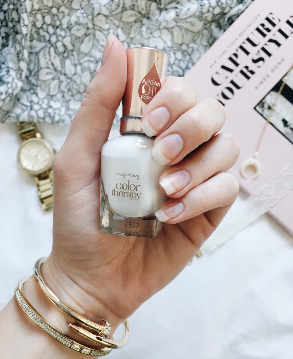 3 Tips for Strong Long Natural Nails | Lifestyle Blog by Caitlin Eliza