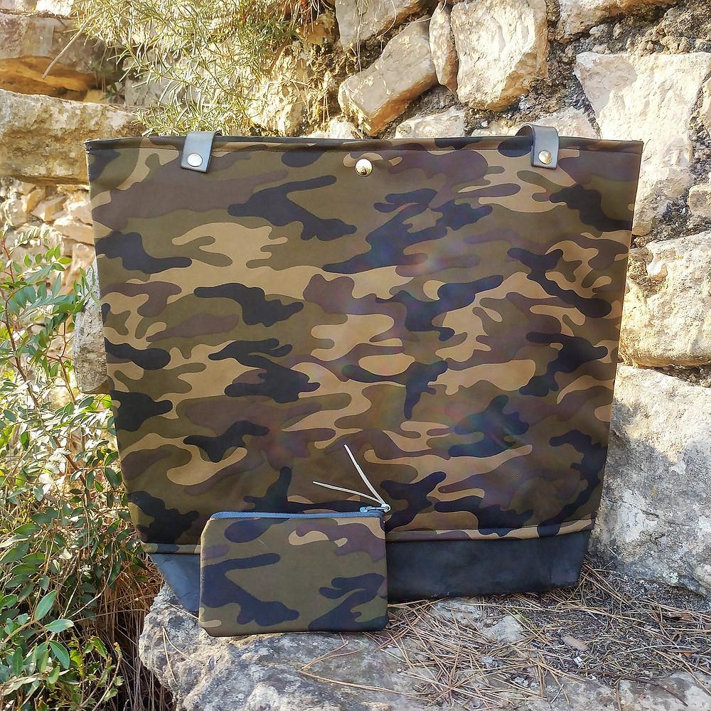 bolso kraft tex con tela, bolso krafttex camuflaje, conjunto monedero y bolso de camuflaje, bolso grande, bolso grande camuflaje, bolso ecológico, bolso piel vegana