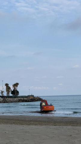 """Cari Turisti... proprio in questo momento... """"Ripascimento Spiagge"""""""