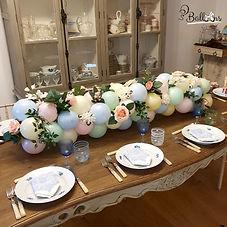 """<img src=""""balloon.jpg"""" alt=""""balloon table runner flowers"""