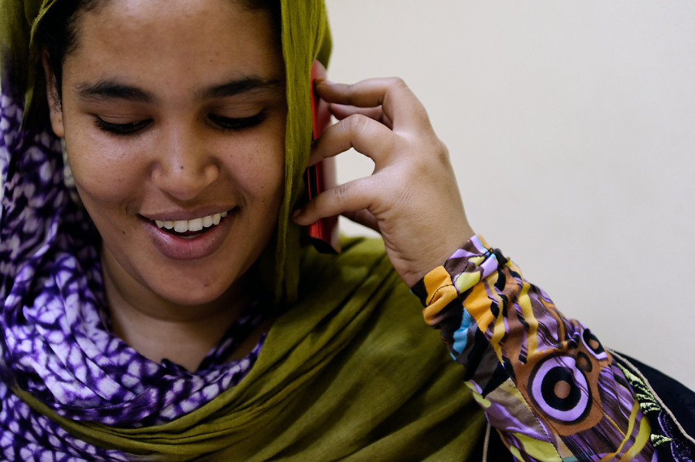 The Heart Fund - Mauritania - Mother on the phone