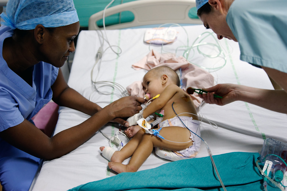 The Heart Fund - Mauritania - Child in operating room