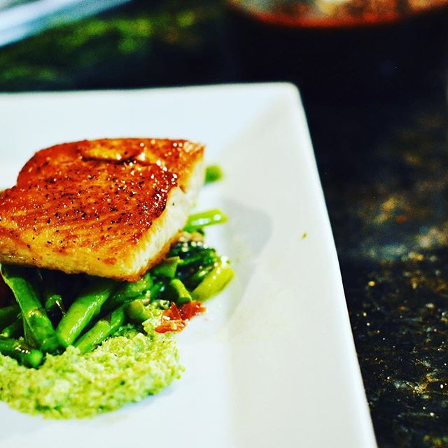 #salmon #chitownprivatechef #bookmenow #chefgradycatering #artonaplate😋