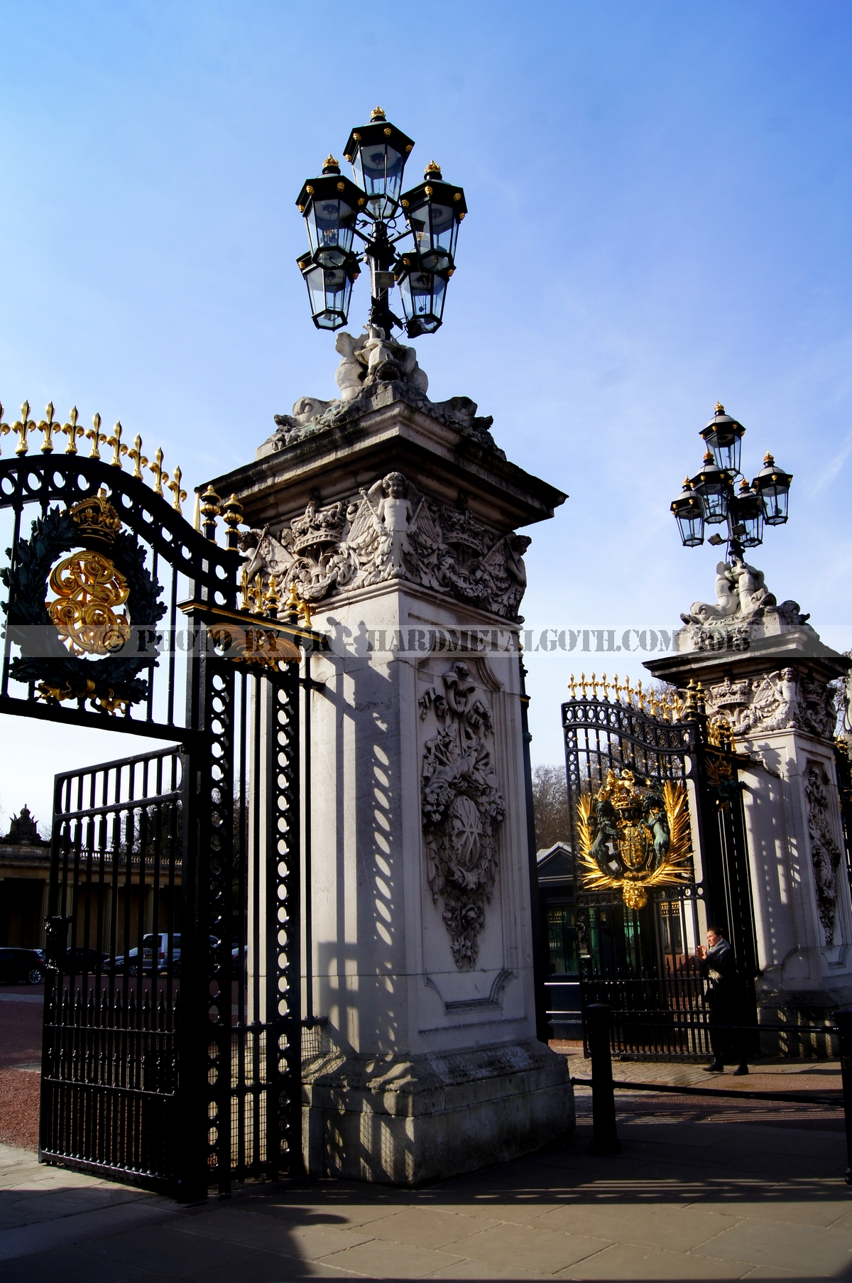 Buckingham Palace 02.jpg