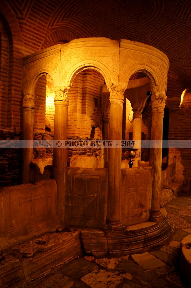 Hagios Demetrios Crypt.jpg