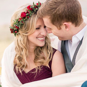Can they be any sweeter_! This couple made waking up at 4_30am extremely worth it! Loving this image from _laurenrswann + dreaming of the ne